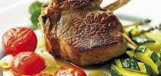 costolette di agnello arrosto con zucchine