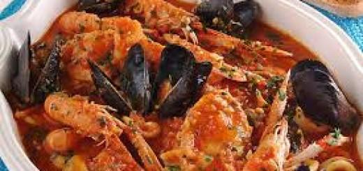 Zuppa Di Pesce Al Pomodoro Il Caciucco La Cucina Di Bacco