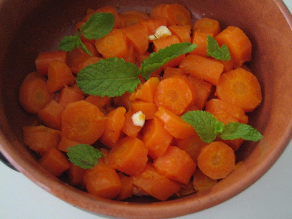 ricetta come si prepara un 39 insalata di carote la. Black Bedroom Furniture Sets. Home Design Ideas