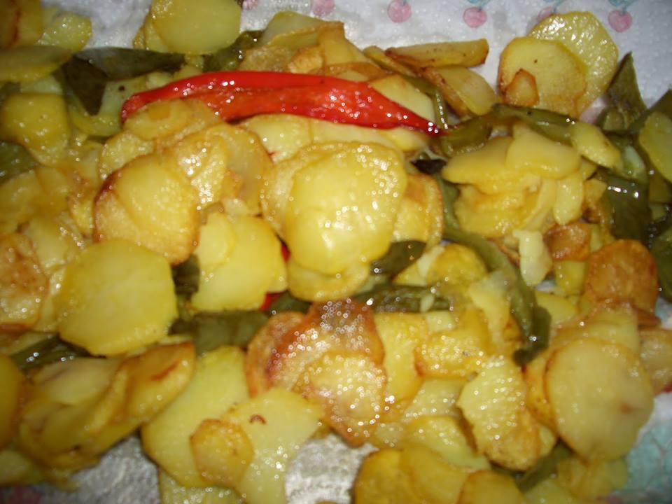 Ricetta patate e peperoni in padella alla calabrese for Quando si seminano le patate