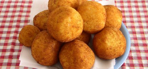 arancini-con-sugo-piselli-e-mozzarella