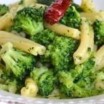 Pasta con i broccoli in bianco