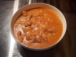 spezzatino-di-carne-di-maiale-al-sugo-con-patate-alla-calabrese
