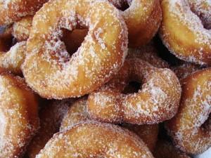 zeppoline di Carnevale fritte e zuccherate