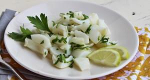 insalata di seppie con il prezzemolo e il limone