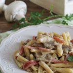 Pasta cremosa con proscitto cotto e funghi champignon