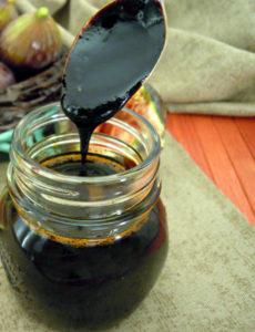 Mosto cotto o miele di fichi alla calabrese