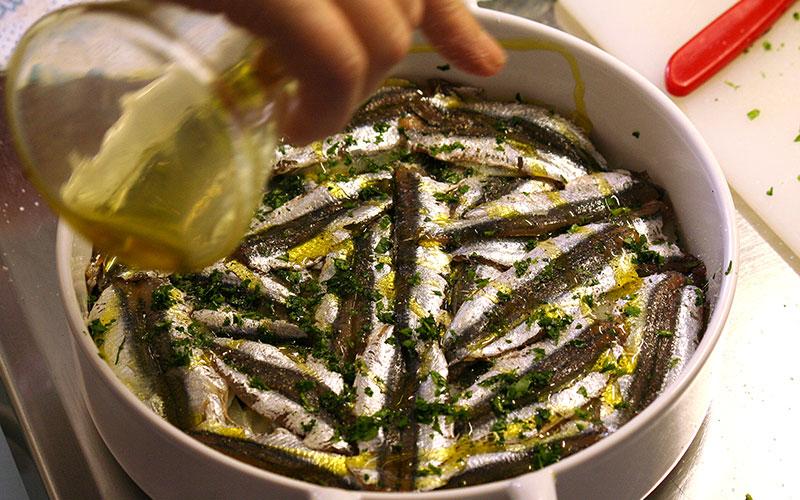 Alici alla marinara con aglio e origano