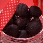 Praline di marzapane e cioccolato croccante
