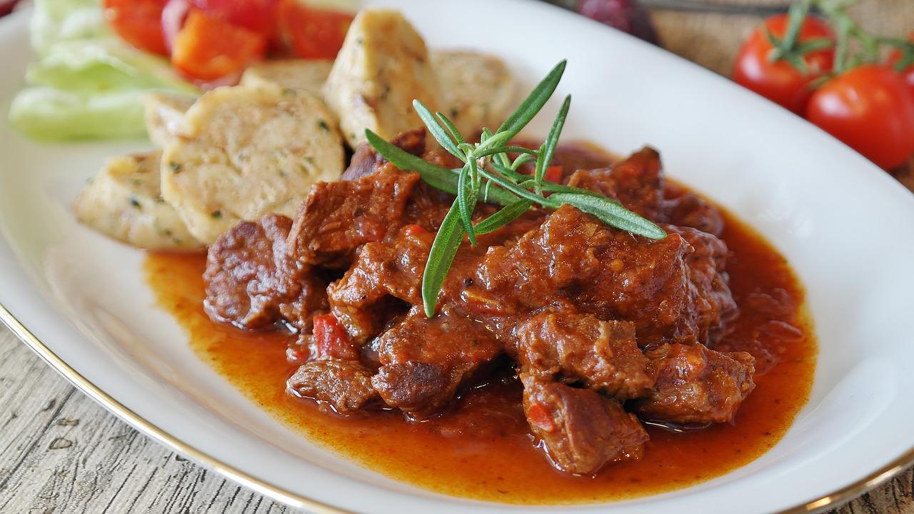 Ragù di carne di maiale al sugo alla calabrese