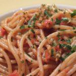 Spaghetti con alici fresche al pomodoro alla calabrese