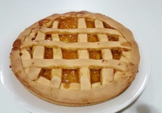 Crostata di marmellata di albicocche senza burro