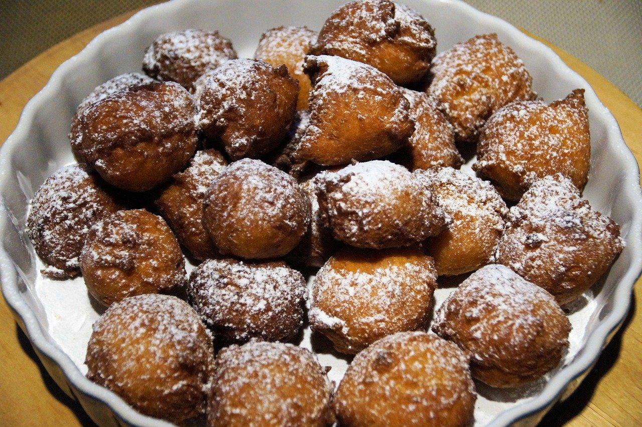 Castagnole di Carnevale zuccherate