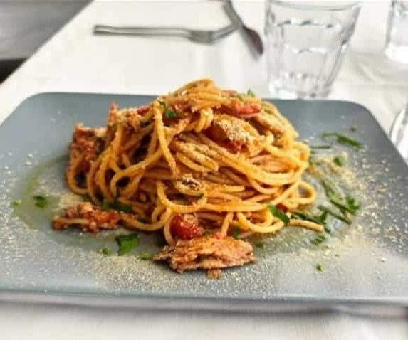 Spaghettone azzurro alla praiaiese