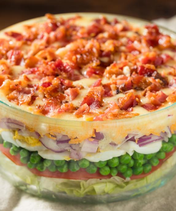 Insalata sette strati o seven layer salad
